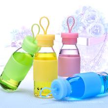 Продвижение ребенок бутылку воды с силиконовый рукав
