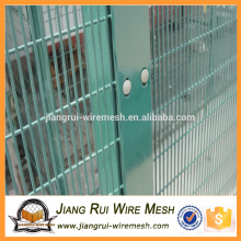 2016 Wholesale cheap steel PVC coated anti climb 358 security fence