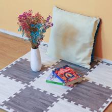 Tapete macio de quebra-cabeça com textura de madeira