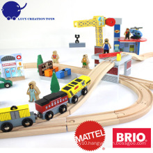New Popular 70 pcs Crane Farm Railway Magnetic Wooden Thomas Train Toy