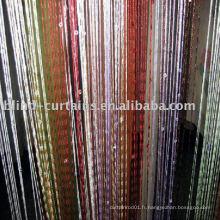 Rideau à cordes avec noeuds