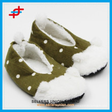 2015 New winter hot sale plush bedroom cheap funny house slippers for kids