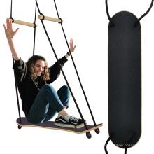 Balançoire extérieure de planche à roulettes de jardin en bois de jouets d'enfants