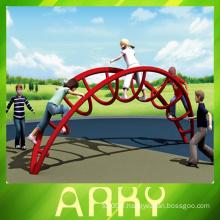 Aire de jeux pour enfants terrain d'escalade