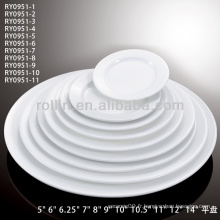 Assiettes blanches bon marché pour restaurant