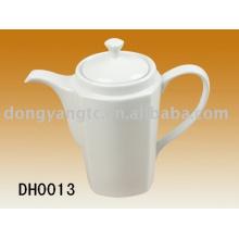 tetera de porcelana blanca, jarra de cerámica, jarra de agua, hervidor de agua