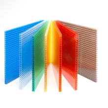Láminas multicapa de policarbonato Recubrimiento UV de doble capa de pared 10 años de garantía