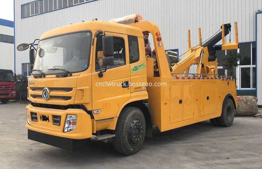Dump Truck Towing vehicles