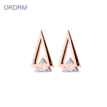 Dormeuses triangle en zircon rose et or rose