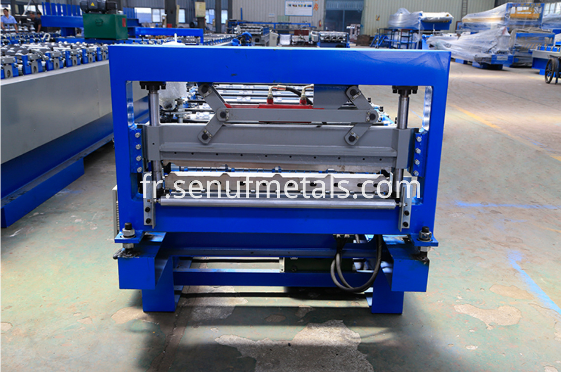 15-225-900 IBR roof sheet forming machine (5)