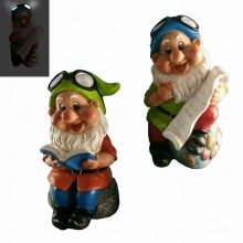 Lovely Polyresin Garden Decoration Reading Dwarf with Solar Light