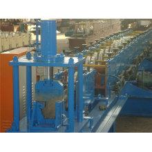 Dachrinnenformmaschine