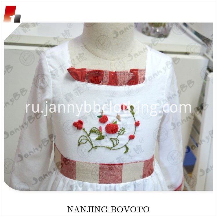 girl red&white dress