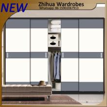 Porte coulissante en armoires en bois moderne