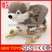 Personalizado logotipo lindo regalo felpa fox mecedora con ruedas