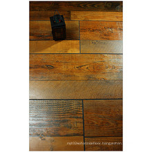 12.3mm Hand Scraped Maple Water Resistant Laminated Floor