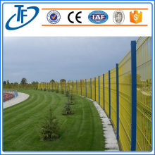 Square Post Iron Durable Svetsat Wire Mesh Fence