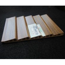 Película del PVC del panel Wd-132h9-5L de la puerta deslizante de WPC laminada