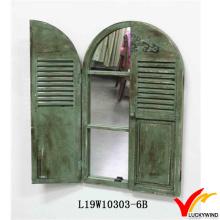 Antigo vintage verde handmade espelho de madeira decorativo do obturador da janela