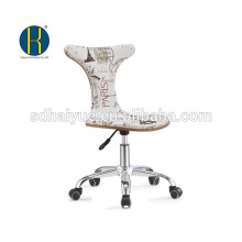2017 Топ белый тканевая обивка деревянной офисный стул с хромированными основание