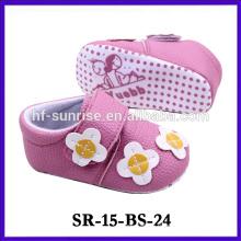 Zapatillas de bebé de tejido recién nacido rosa producto nuevo