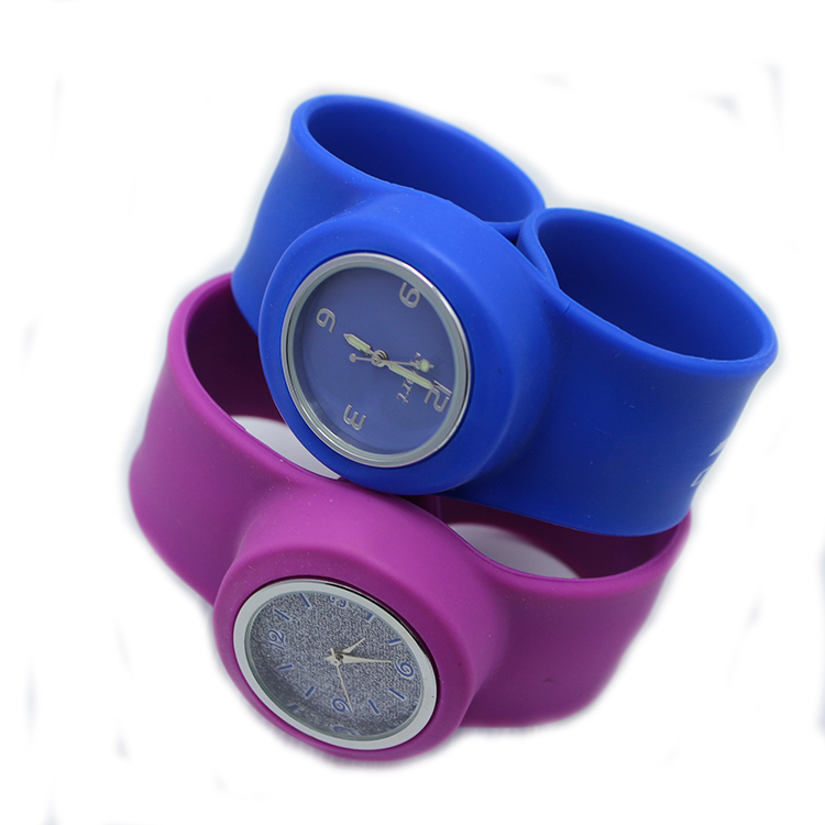 Good and fashionable silicone slap ring watches