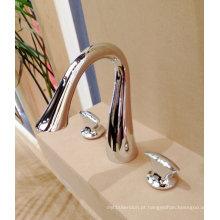 Misturador para lavatório de banheira com cascata