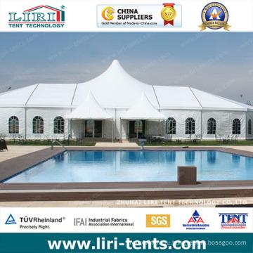 Отель открытый белой крышей высокого пика шатер для партии в известных Европе
