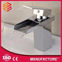 Mitigeurs de baignoire de mode carré cascade laiton baignoire robinet mélangeur