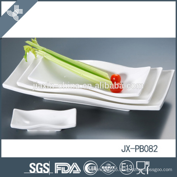 Home use fine porcelain custom heat resiatant white christmas dinnerware set