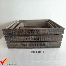 Francês do vintage que empilha o projeto de madeira da caixa