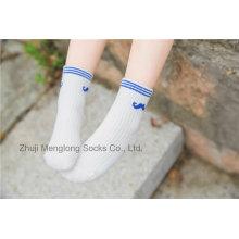 Schnurrbart entwirft guter Qualität Jungen Socken mit konkurrenzfähigem Preis im Großhandel