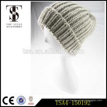 El ganchillo de alto grado hizo punto las mujeres beanies el sombrero 100% acrílico del invierno del knit