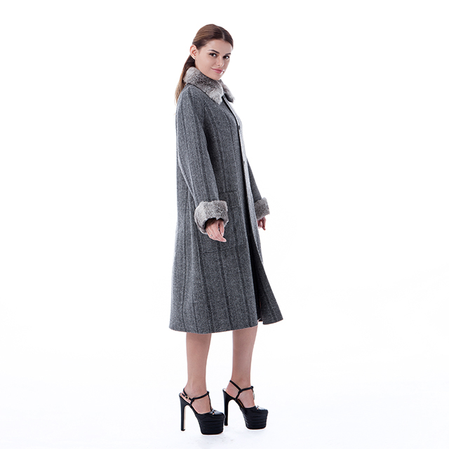 Fashionable new cashmere overcoat