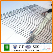 Roll Top Panel Fencing System