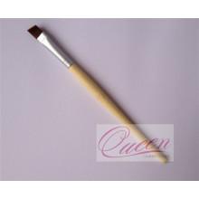 Угловая макияжная кисточка для глаз с бамбуковой ручкой