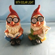 Attractive Polyresin Reading Dwarf with Solar Light