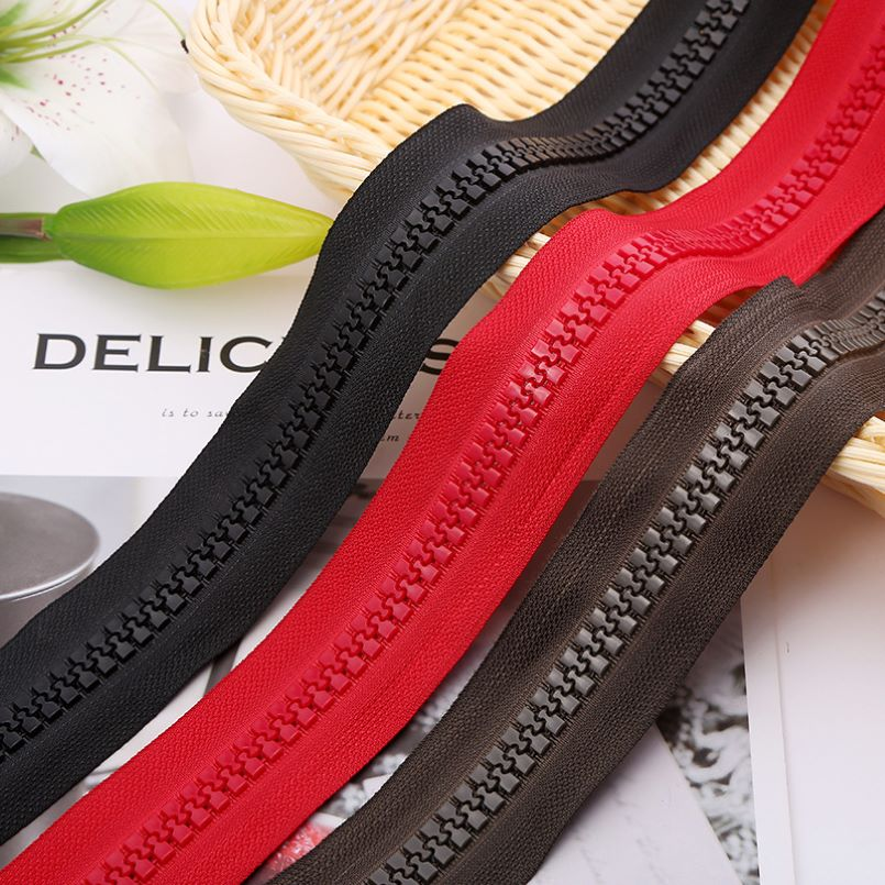 Polyester zipper for jersey