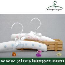 Cabide acolchoado de mancha branca para crianças