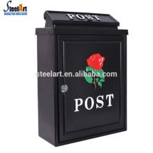 Caixa de correio de aço moderno à prova de água na parede corrugado