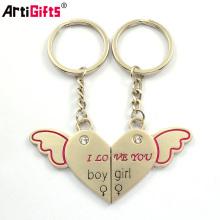 Promotion en gros conception personnalisée votre propre couple magnétique Angel Keychain Couple