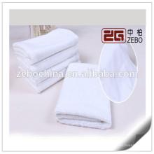 100% Baumwolle Kundengebundene Größe Verfügbare Stickerei Gesicht Handtuch zum Verkauf