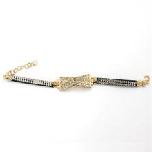 Charme de couleur dorée de 7,5 cm avec bracelet en cuir avec strass