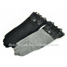 grey sheep wool gloves