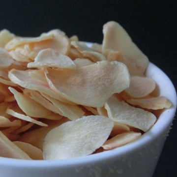 Dehydrated garlic flakes for American market