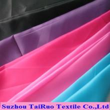 Tafetá de poliéster colorido com estoque