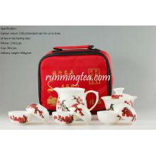 Pintado a mano flor de ciruelo rojo con urraca, portátil / juego de té de viajes, Gaiwan, Lanzador, 6 tazas + pinzas
