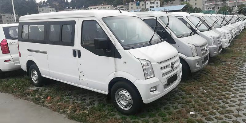 Dongfeng 7-11 Seats Mini-van C37