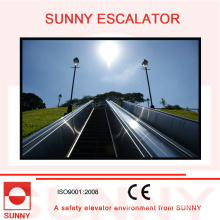 Durable Stainless Steel Panel Escalator with Anti-Lip Grooves, Sn-Es-D010
