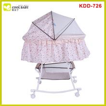 Comfortable metal baby bed